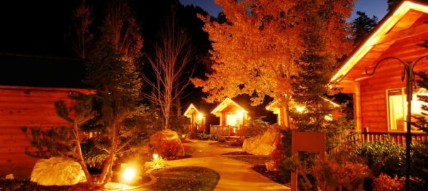 Utah-weddings-bed-and-breakfast-Alaskan-inn-night-photo