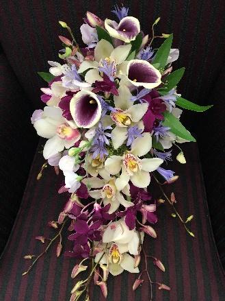 Eggplant-Sage-and-Champagne-wedding-flowers